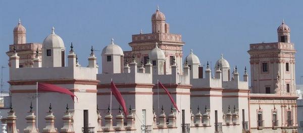 La casa de los 5 torres en Cádiz free tour